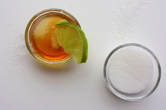 honey-lime-lip-scrub