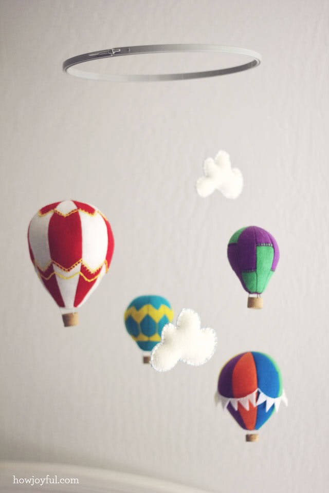 hot-air-balloon-mobile