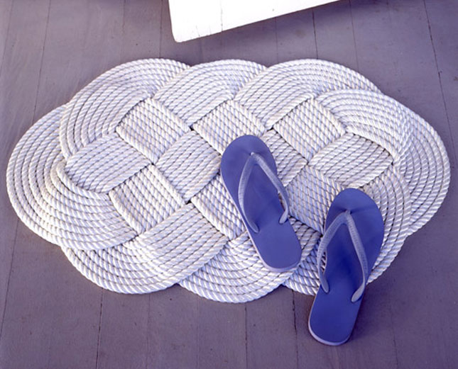 Nautical rope bath mat