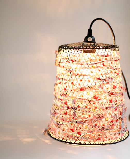 Wire wastebasket night light