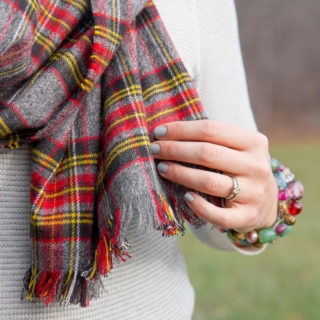10 Fashionable No-Sew Scarves