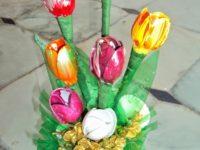 plastic spoon tulips 200x150 15 Creative Decor Ideas Made From Plastic Cutlery