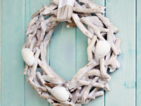 Cottege Seashell Wreath 200x150 Reclaim Summer Charm: Delicate Beach Garlands for a Breezy Home