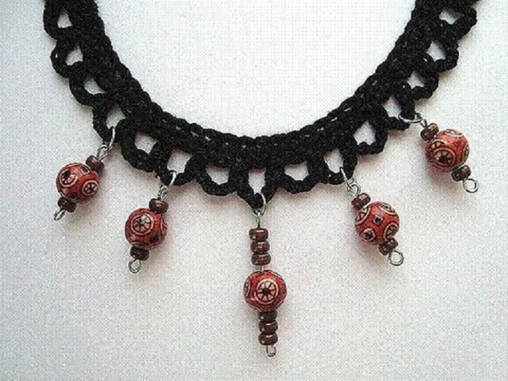 Lovely dangling bead necklace
