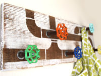 Reclaimed Wood and Tap Hook 200x150 DIY Hooks and Hangers for Your Home Interior