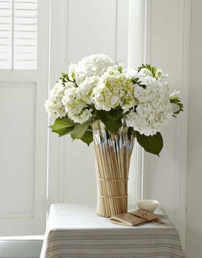 Smart Paintbrush vase