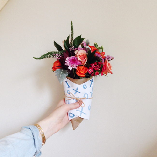 Unique Ways to Wrap a Flower Bouquet as a Gift