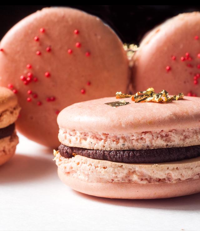 double-chocolate-macarons