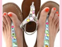 jewelled flip flops 200x150 15 Lovely DIY Flip Flops to Welcome Summer in Style!