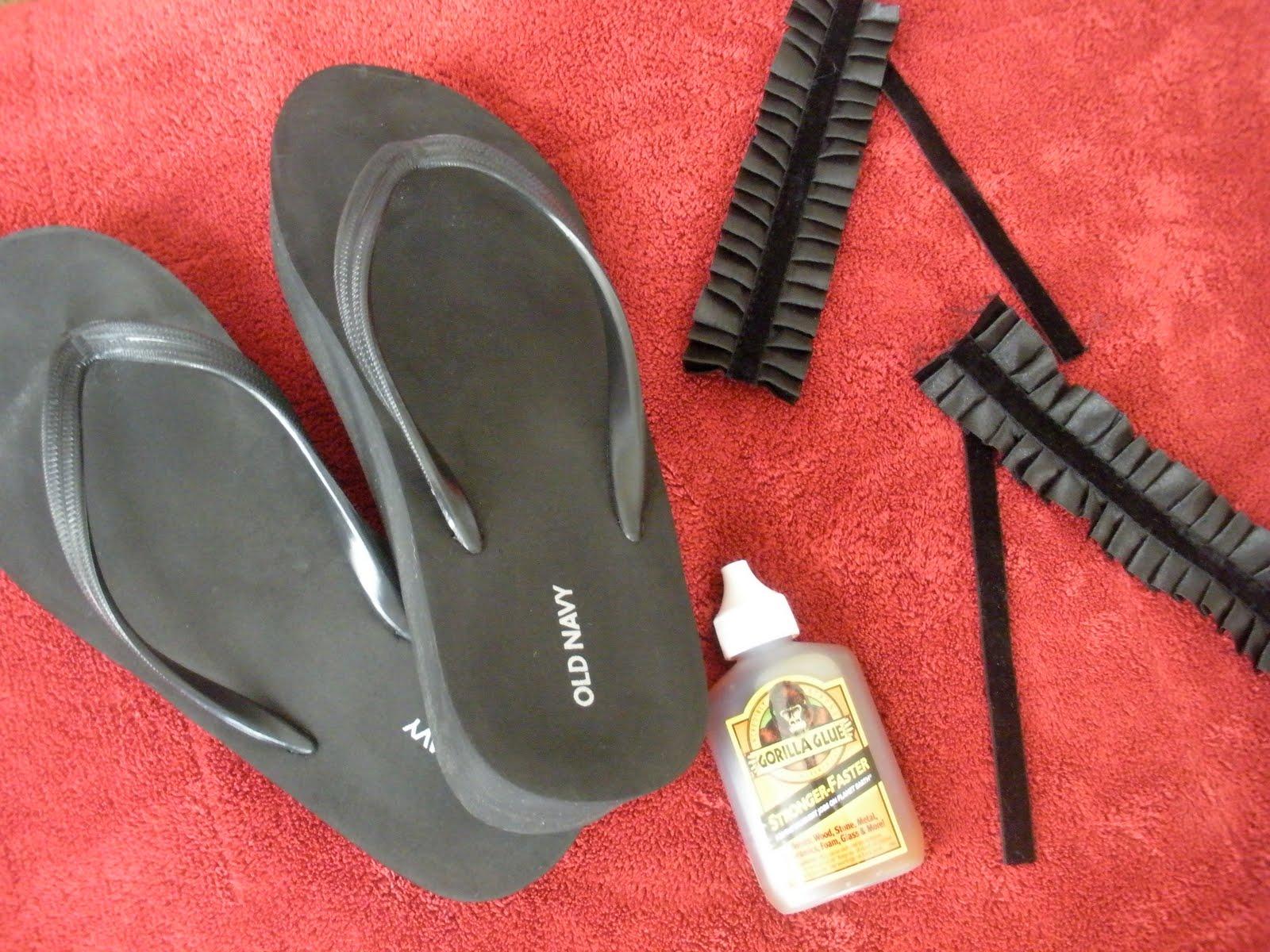 pleated-flip-flops