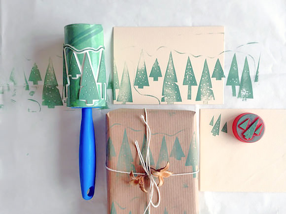 roller-stamp-wrapping-paper
