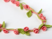 rosebud necklace 200x150 Crocheted Jewelry: Far More Special Than Anything in Stores!
