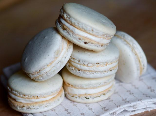 Simple vanilla macarons