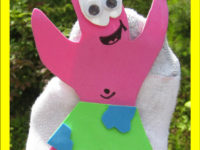 sock puppets 200x150 Your Child Will Be Amazed by These SpongeBob Crafts and DIY Party Ideas