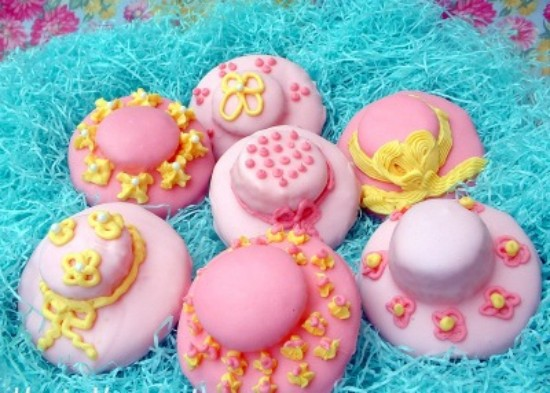 Adorable Easter bonnet cookies
