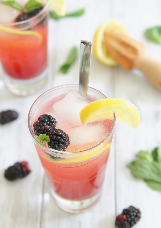 Blackberry lemon mocktail