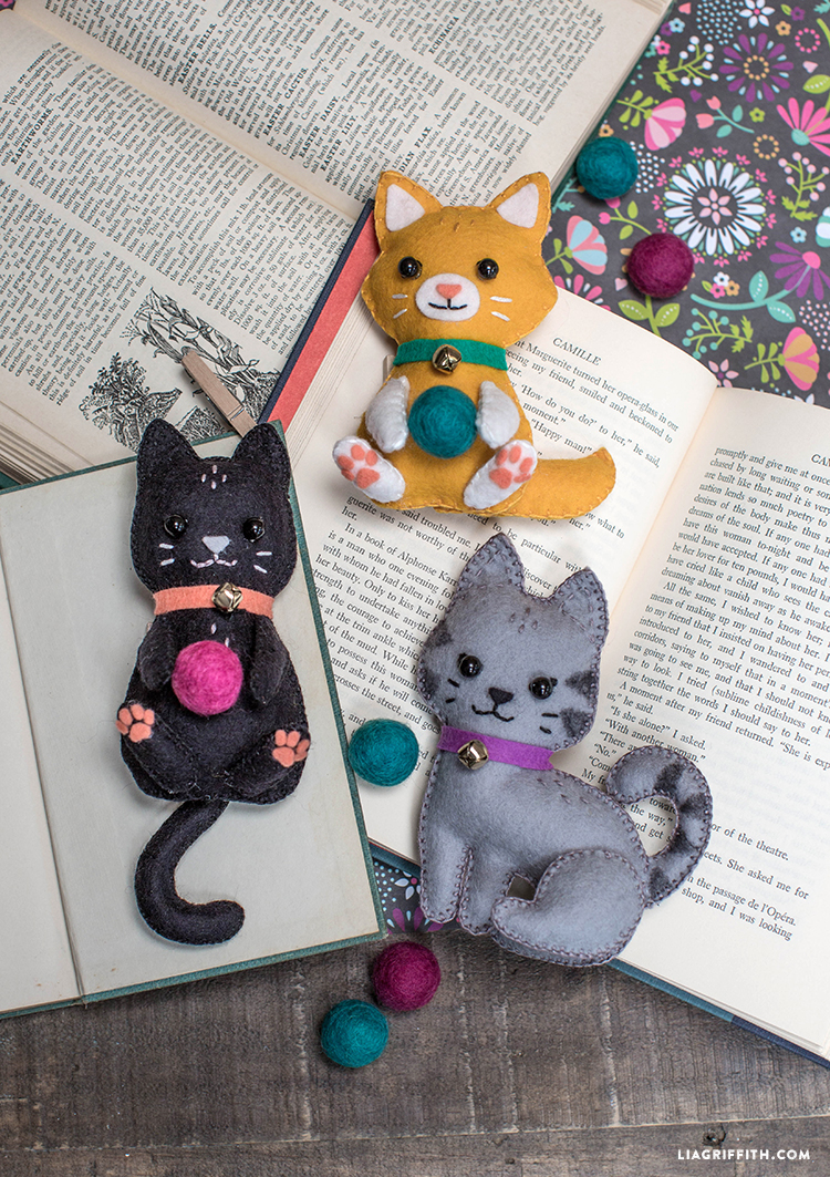 DIY felted kitten stuffies