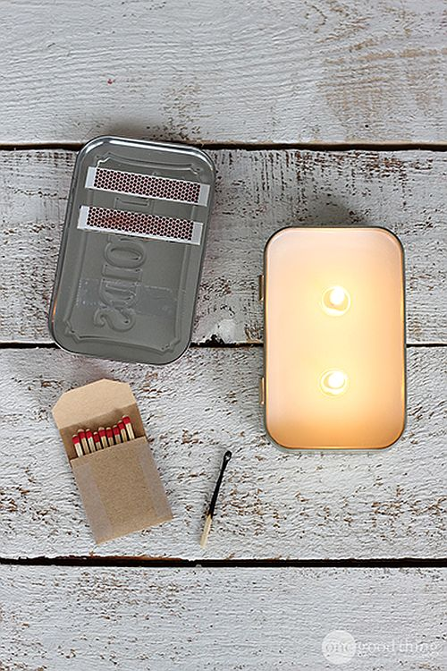 Easy to make Altoid tin candles