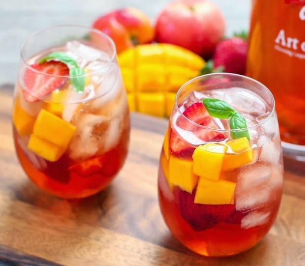 Iced tea sangria