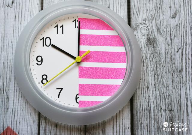 Neon glitter clock