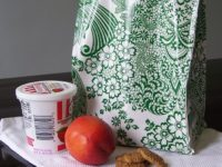 Oilcloth Lunch Bag 200x150 Pack Your Lunch DIY Style!