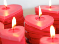 Stacked ombre hearts candle 200x150 15 DIY Candles That Will Light Up Your Life