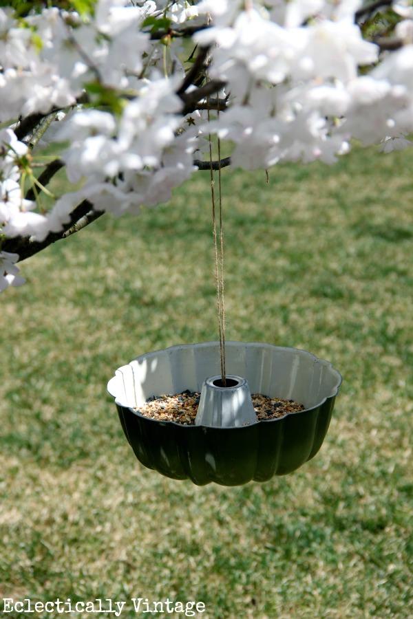 Bundt pan bird feeder