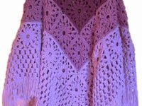 granny square poncho 200x150 Flatter Your Figure with these Free Crochet Poncho Patterns