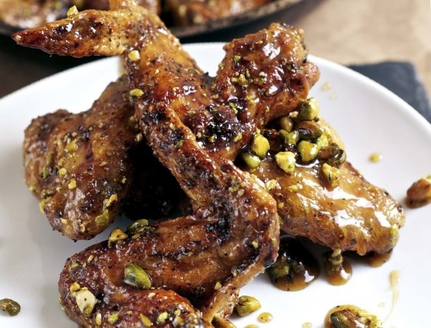 Baked pistachio wings