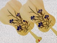 Bamboo and pressed flowers bookmark 200x150 Gorgeous Crafts Made With Pressed Flowers