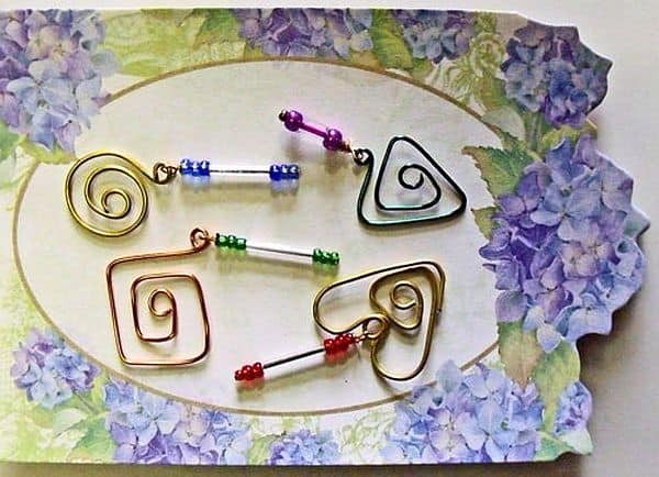 Beaded paper clip markers DIY craft