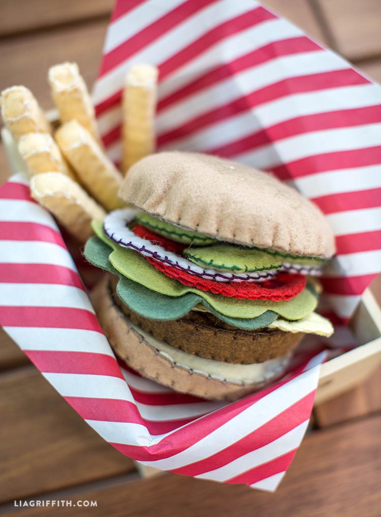 Felt_Burger_DIY_Fries