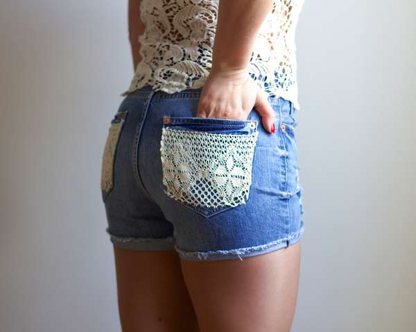 Lace accented short pockets