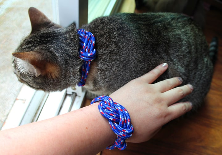 Lope knot collar