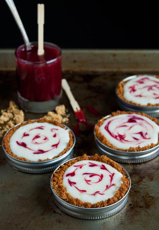 Mini white chocolate raspberry tart