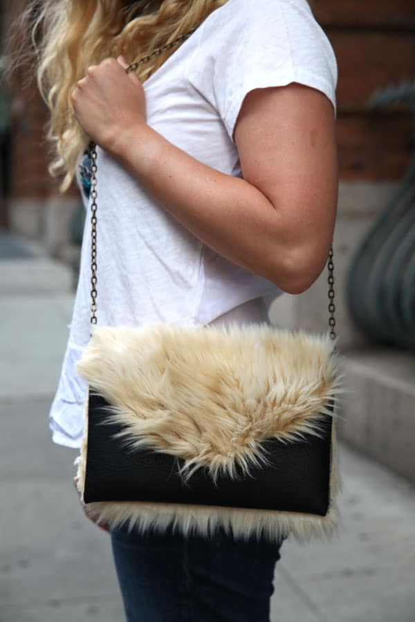 Part faux fur clutch