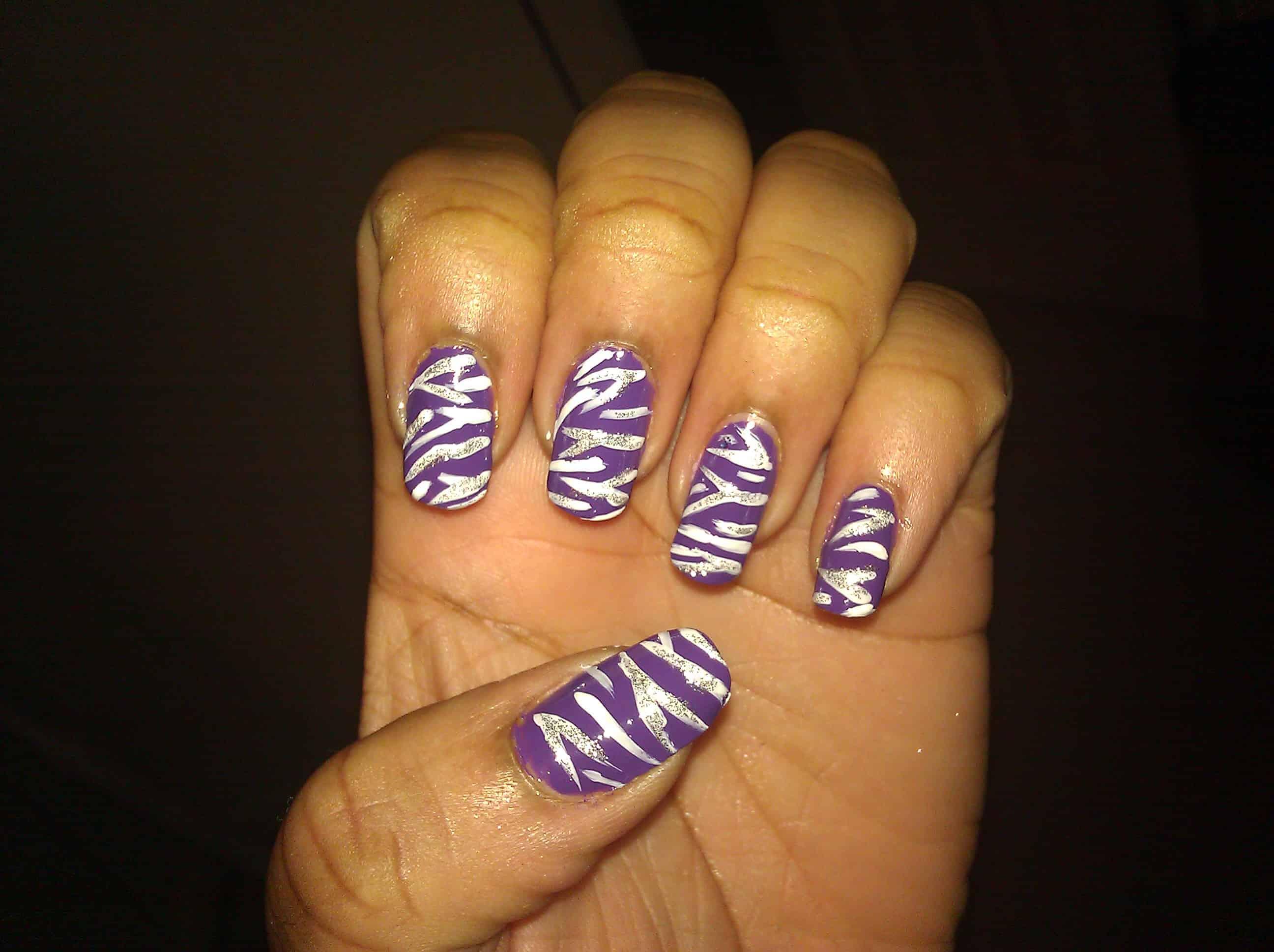 Purple zebra manicure