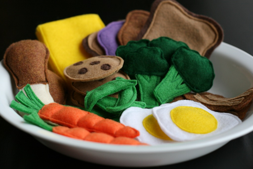 Use These Free Felt Food Patterns To Make Great Handmade Gifts For A