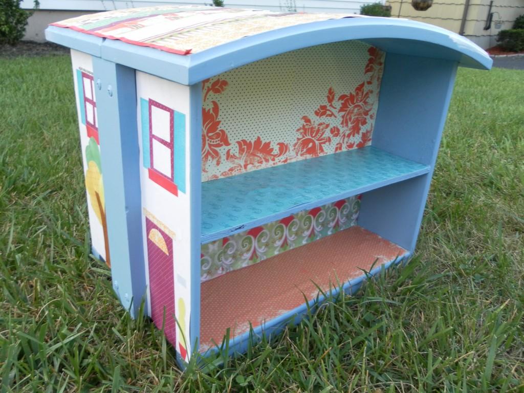 Dresser dollhouse