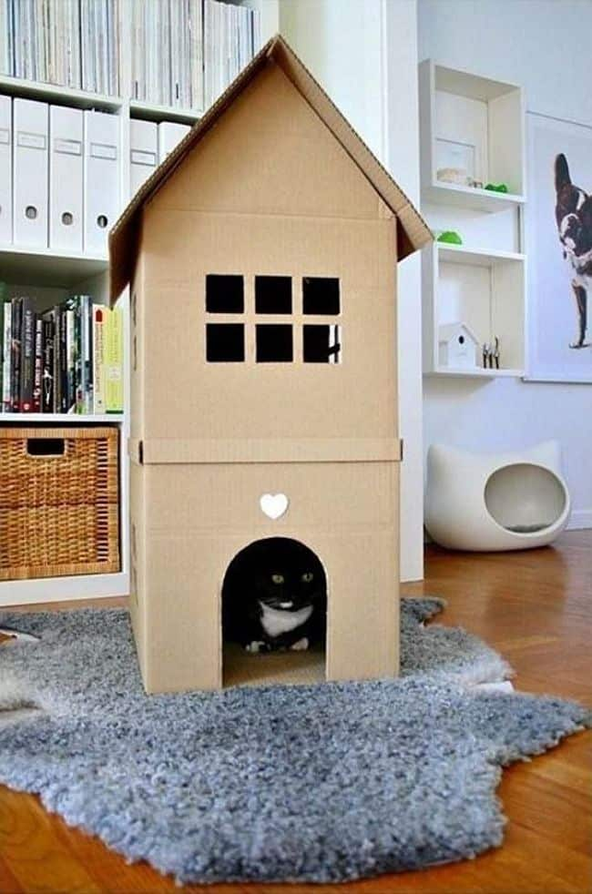 DIY Cardboard kitty house