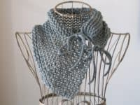 Romantic Trellis cowl 200x150 15 Easy Knitting Projects Made With One Ball of Yarn