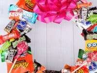Tasty Candy Birthday Wreath 200x150 Tasty Treats: 10 Delicious Candy Crafts