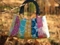 petal handbag 200x150 Clean Up Your Sewing Room with these Clever Scrap Fabric Projects
