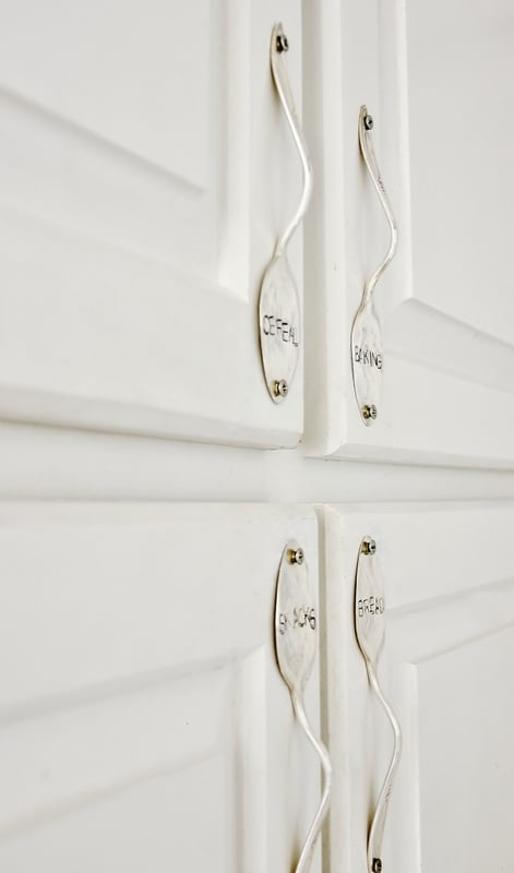 Curved cabinet handles
