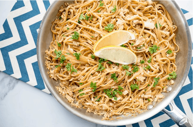 Healthy linguine with white clam sauce