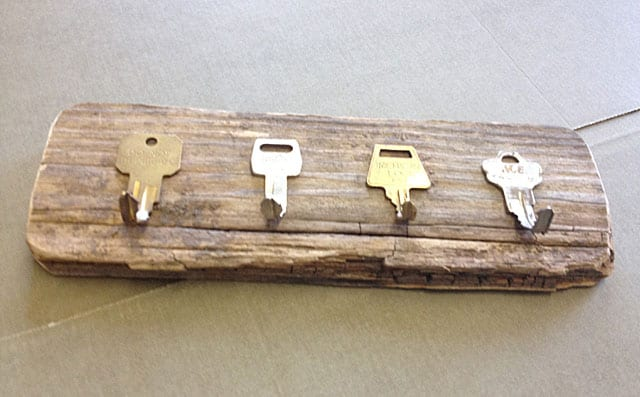 Key holder made of keys