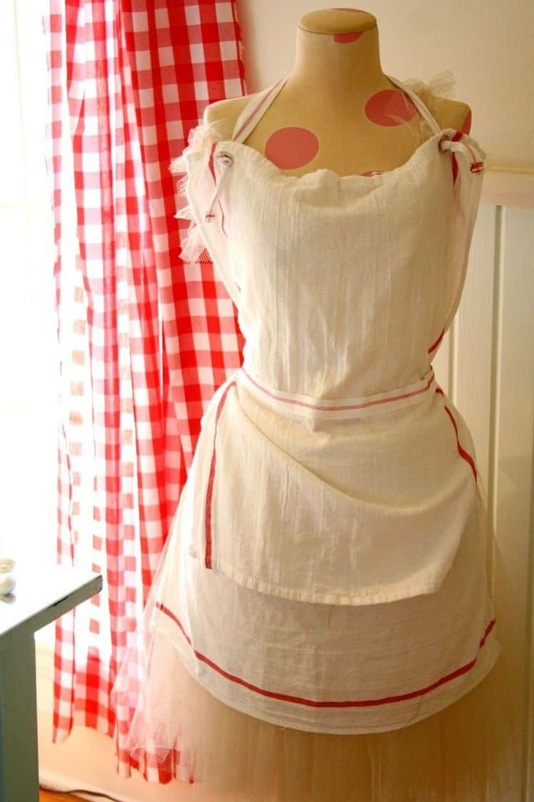 Lovely French-inspired tea towel apron
