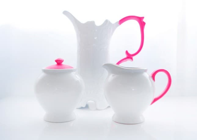 Neon and white pottery