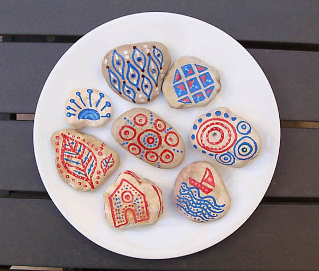 Outdoor doodle rocks
