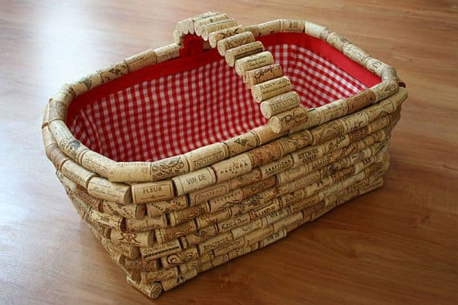 Picnic Basket basket from wine corks